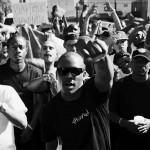ハッカーたちがラジオをハックし、YGの「Fuck Donald Trump」を流す。混沌の時代