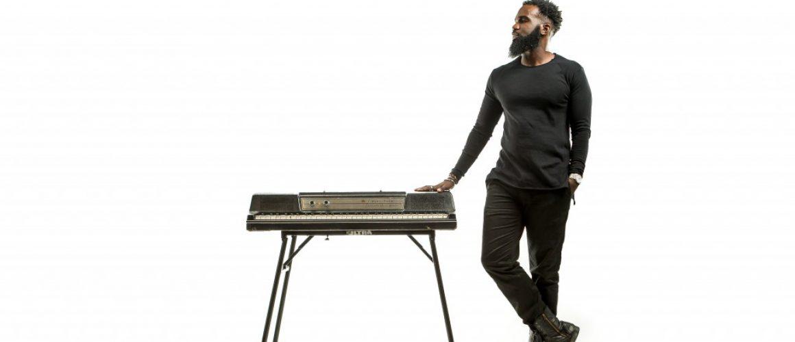 Aaron Abernathy初のフルアルバム『Monologue』が12月のタワレコメンに決定!