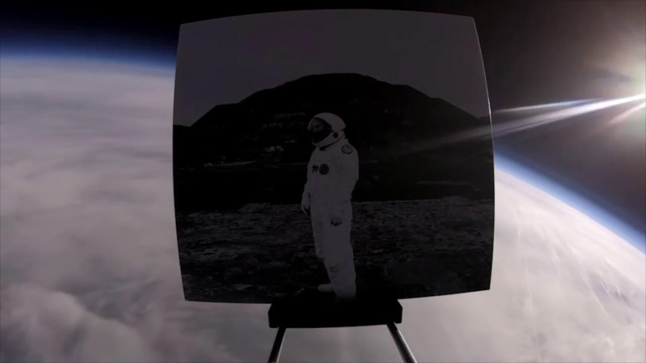大気圏10万フィートからアルバムをドロップしたTowkioが語る「概観効果」と地球。伝説リック・ルービンが20年ぶりに契約した日系人ラッパー